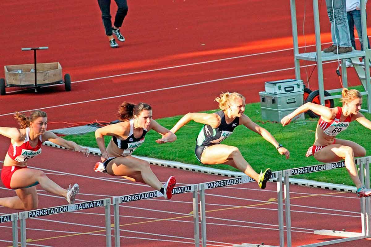 Resultado de imagen para mujeres deportistas